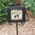 Our Pet Memorial Garden Stake is a beautiful memorial accent to any yard or garden, our personalized garden stakes and garden markers are a unique way to mark that special tree, rosebush, or pet memorial.